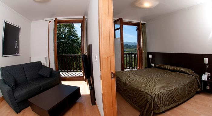 Apartamentos turisticos talaimendi alojamientos y surf en - Apartamentos en zarauz ...