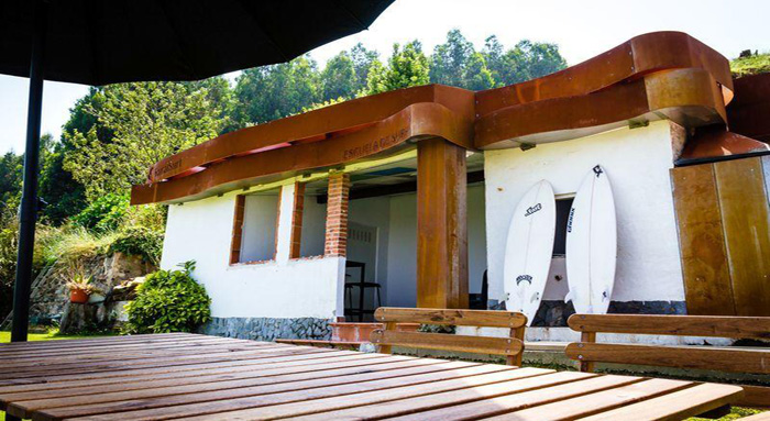 Rural surf accommodations and surfing in playa de salinas - Hoteles en salinas asturias ...