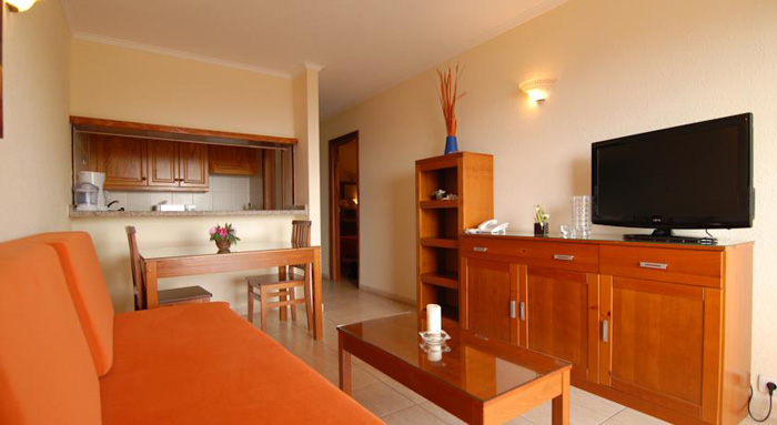 Apartamentos caribe accommodations and surfing in tenerife for Apartamento caribe tenerife