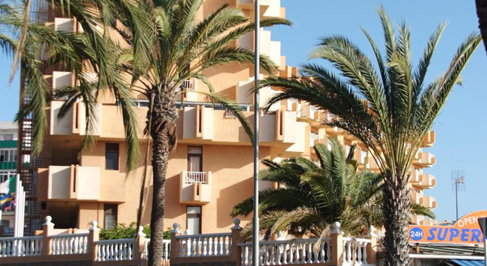 Apartamentos caribe alojamientos y surf en tenerife for Apartamento caribe tenerife