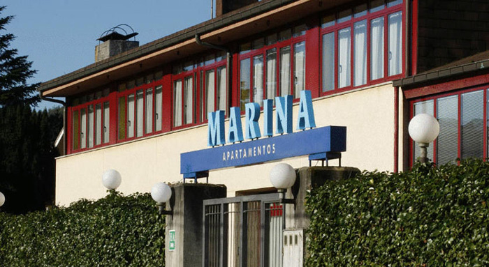 Apartamentos marina accommodations and surfing in playa - Hoteles en salinas asturias ...