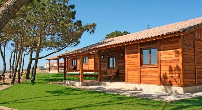 Ericeira camping bungalows alojamientos y surf en ericeira for Bungalows dentro del mar