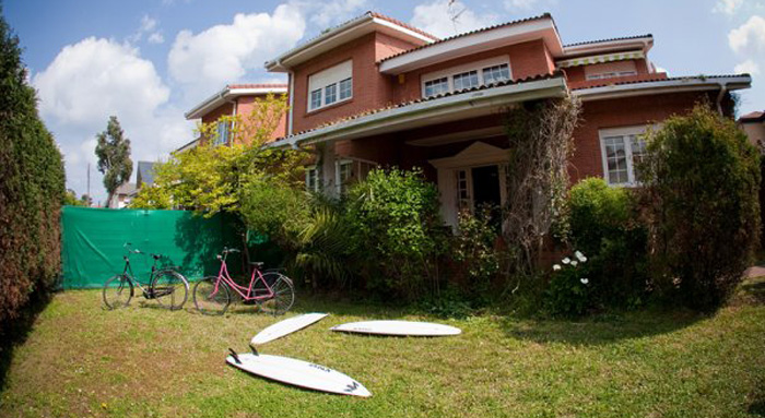 Las dunas hostel accommodations and surfing in playa de - Hoteles en salinas asturias ...